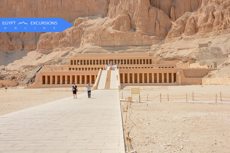 One day Luxor tour by bus from El Gouna